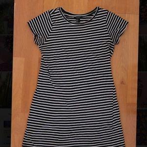 XS T-SHIRT DRESS